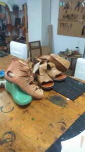 Sandalias caligae y botas romana