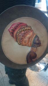 Bolso cuero, repujado color y tintas