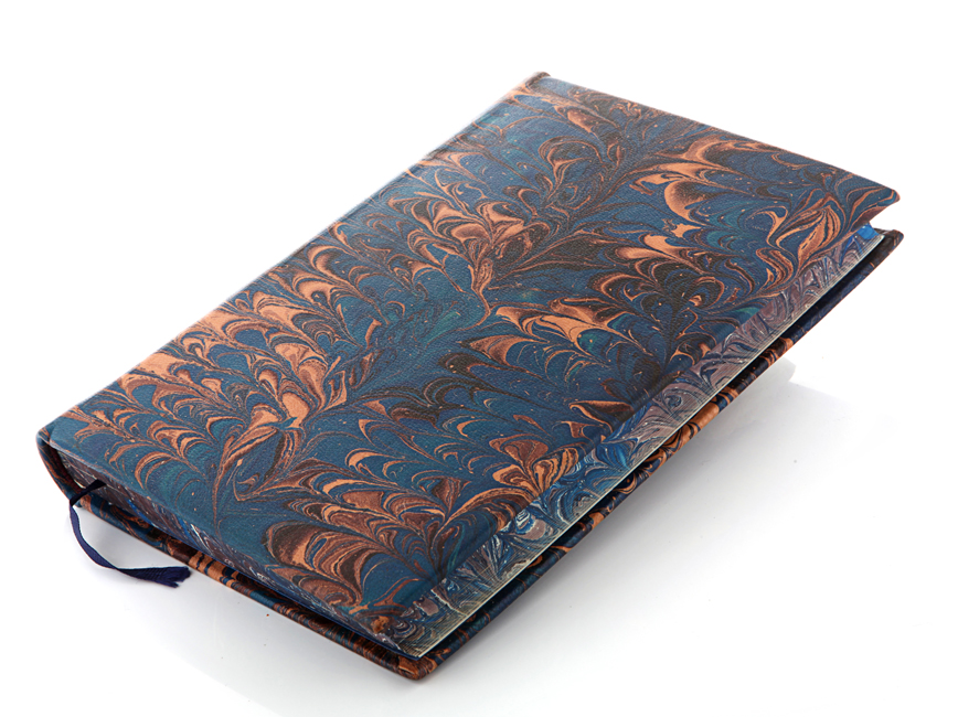 Teñido con tintas litográficas y la técnica de marmoleado en cuero